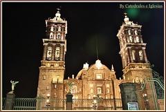 Catedral de Puebla Exteriores (Puebla de los Ángeles) Estado de Puebla,México