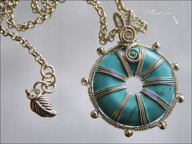 wire wrapped pendant donuts - photo #42