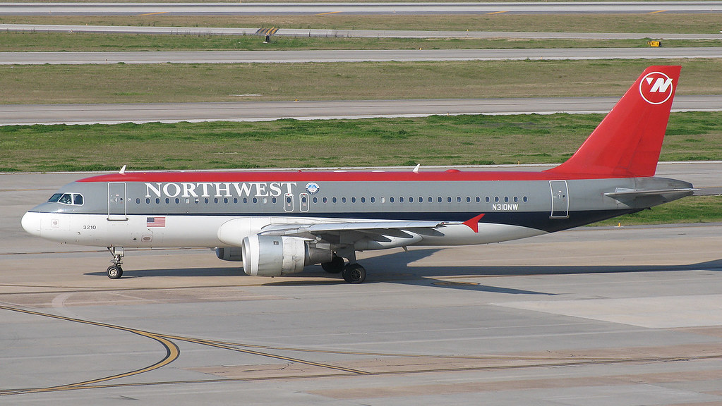 Northwest Airlines A320 N310NW