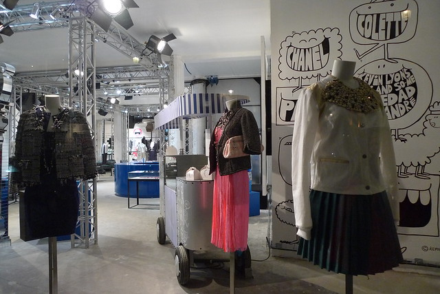 Vitrines boutique ph m re chanel colette paris mars 20 flickr photo - Colette paris magasin ...