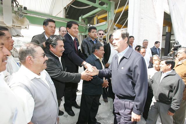 08 02 06 mario marin y vicente fox visitan la fabrica de for Marmol en santiago