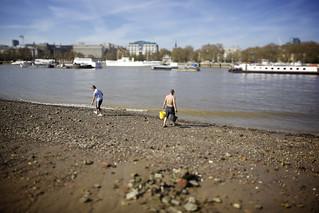 Image of  DirtyBeach project  near  London. london thames shift bank southbank tilt riverthames ts southwark tse se1 tiltshift canoneos5dmarkii eos5dmarkii tse24mmf35lii canontse24mmf35lii