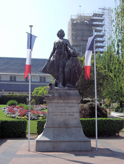 1913 War Memorial, Honfleur, Normandy - France.