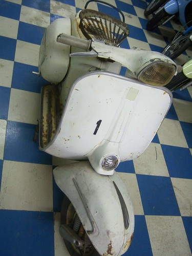 1965 Vespa GL #5