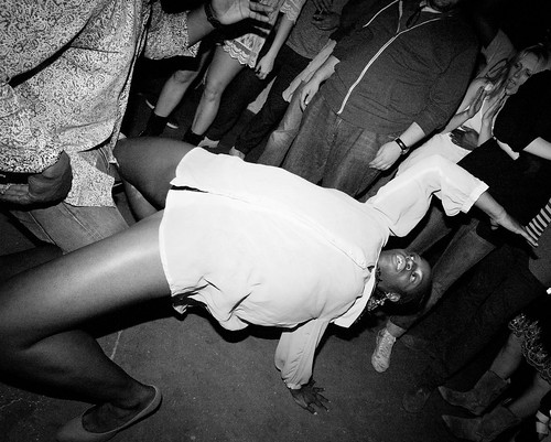 london 2011 - Cat Mahari dancing @ hoxton loft, shoreditch
