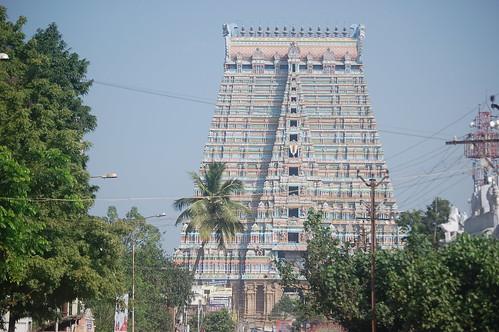 Der grosse Turm von Sri Rangam ist grösser als der von Madurai