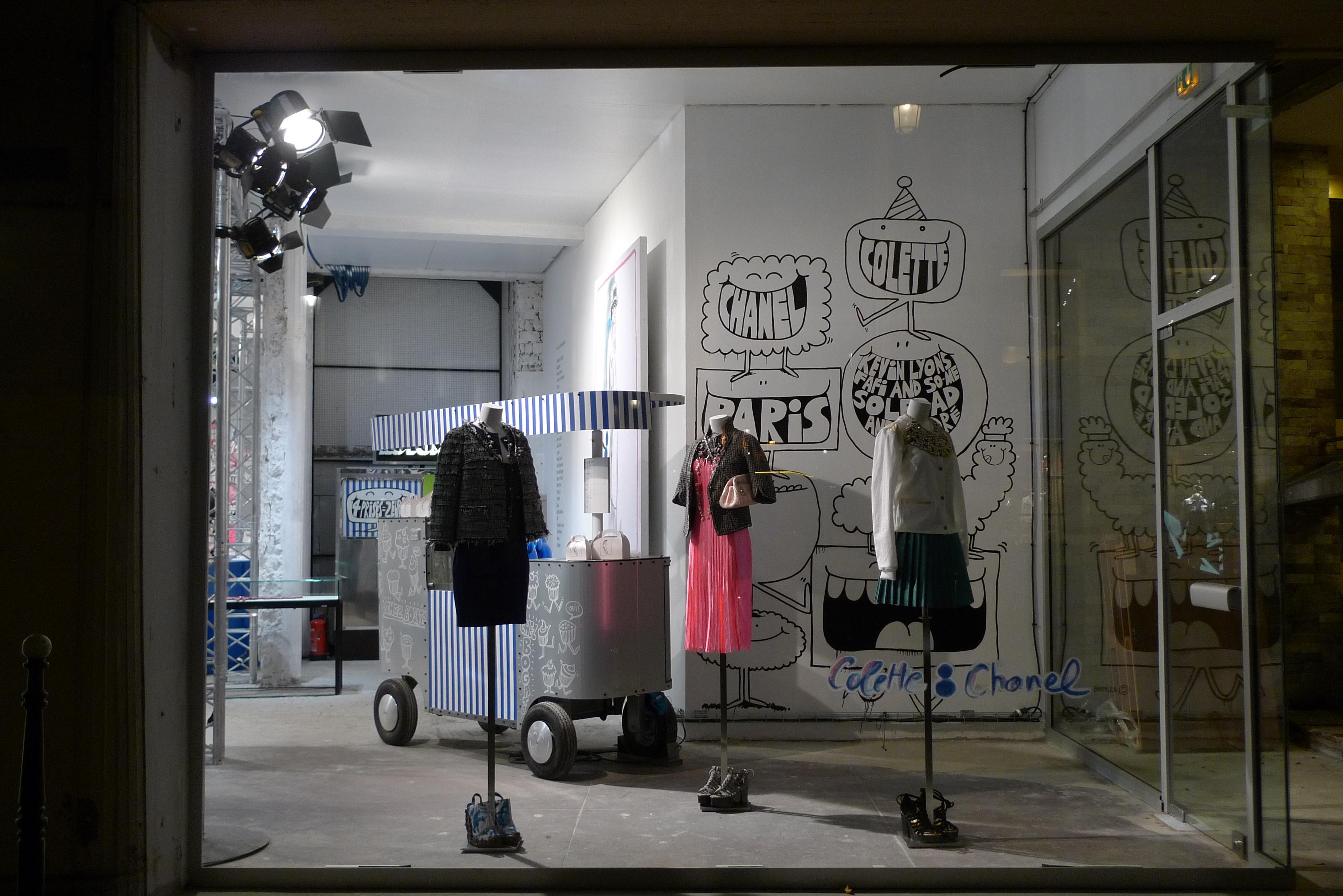Vitrines boutique ph m re chanel colette paris mars 2011 flickr photo - Colette paris magasin ...