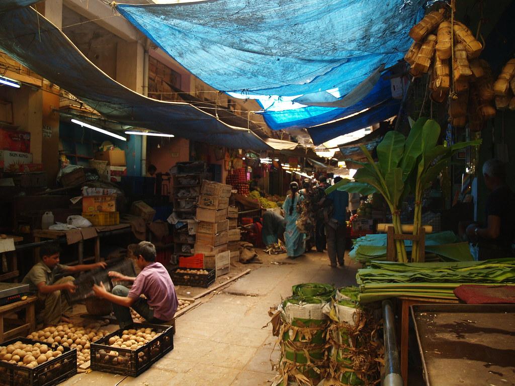 Devaraja Market, Mysore | Devaraja Market is a lively bazaar