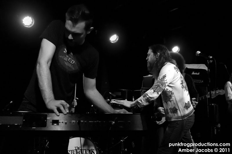 Antennas Up/The Constellations/Electric Six, The Riot Room 3/31/11 ...