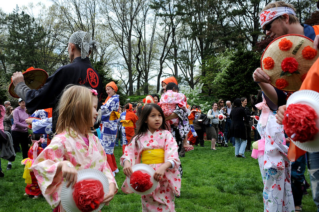 The Japanese Folk Dance Institute of New York led a Hanagasa Odori  (flower hat dance) at the Osborne Garden. Photo by Mike Ratliff.