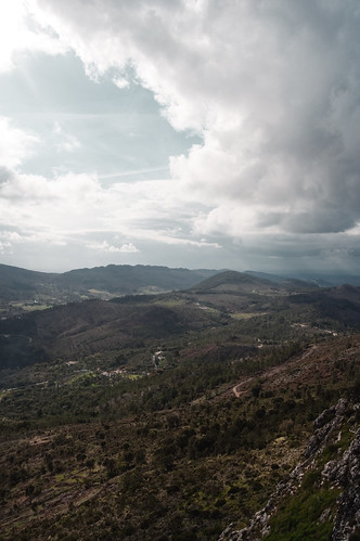 blue sky portugal azul clouds nikon dr cyan filter cielo nubes 1855 cian cpl marvao filtro polarizing d90 polarizador concelho azzacov