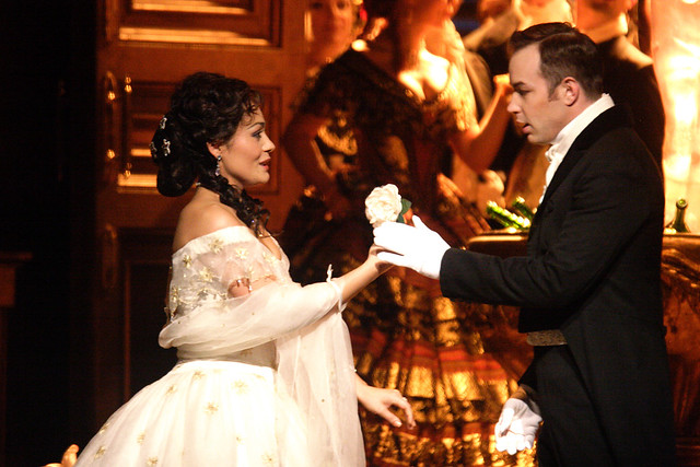 Ailyn Pérez and Stephen Costello in La traviata © ROH/Catherine Ashmore, 2014