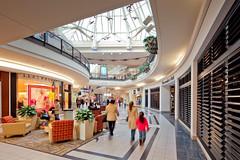 Solomon Pond Mall - Ann Taylor Court