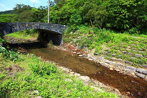GE74后番子坑溪生態工法教學園區-砌石護岸-橋樑