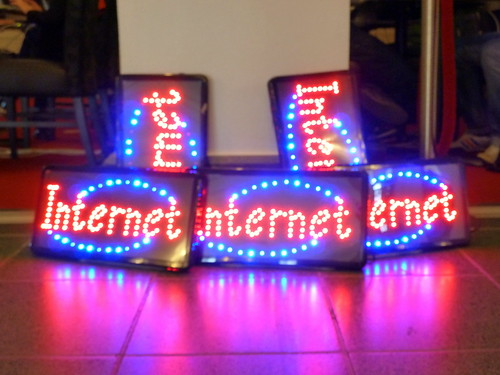 Internet: Neon Signs