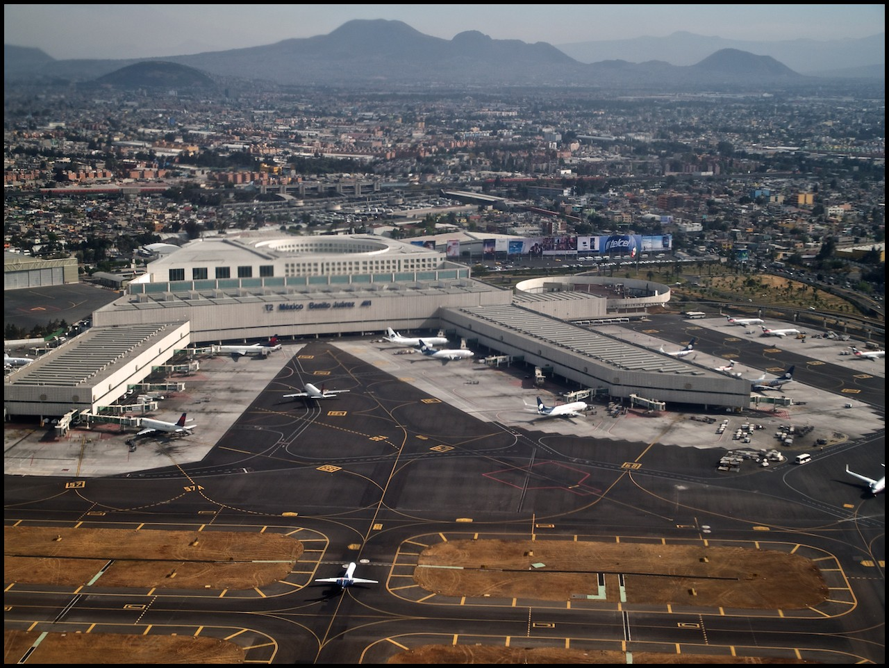 Mexico city airport flickr photo sharing for Puerta 6 aeropuerto ciudad mexico