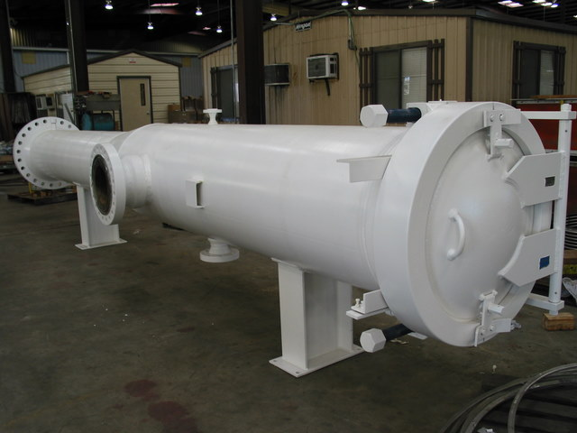 Large diameter pig receiver with hinged closure flickr