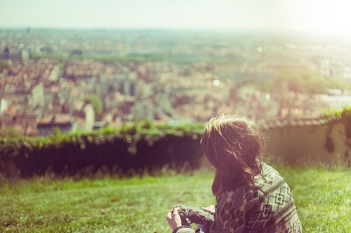 LELOVE BLOG LOVE IMAGE GIRL SITTING ALONE IN THE GRASS LOVE STORY LOVE ADVICE Untitled by Theo Gosselin, on Flickr
