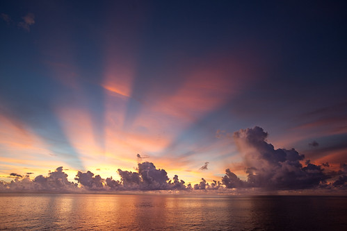sunrise papuanewguinea bismarcksea canonef1635mmf28liiusm canoneos5dmarkii