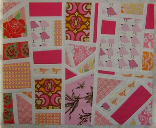sew modern bee_april block