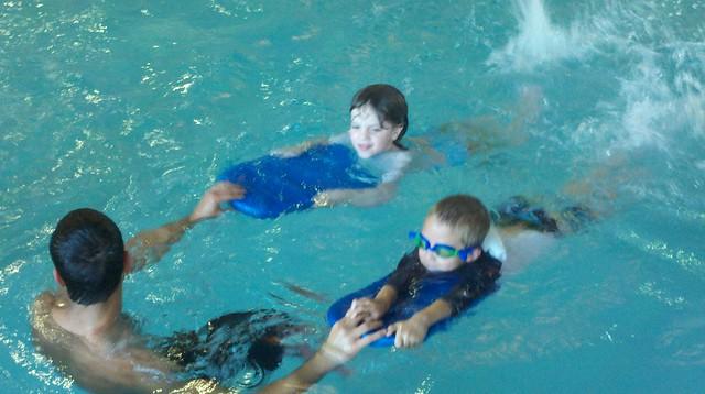 Schwimmbretter im Schwimmunterricht