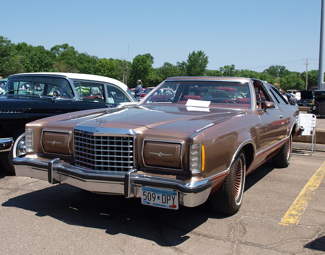 1978 Ford Thunderbird 1