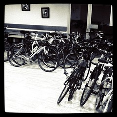 26 bikes in their hotel room for the night - Photo of Bussus-Bussuel