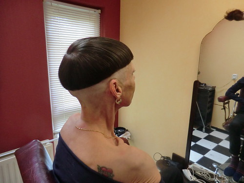 Shaved Nape And A Perm   newhairstylesformen2014.com