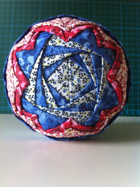 Quilted christmas ornaments flickr photo sharing