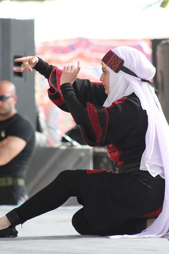 فلسطين شعبي مهرجان تراث الفلسطيني الشعبية الأول نابلس للثقافة والفنون الخليل البوليتكنك الثوي