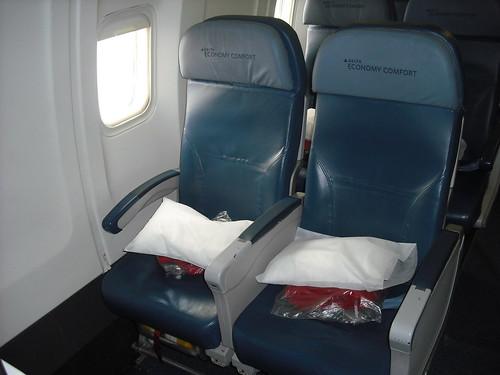 travelrewards: delta economy comfort 767-300er