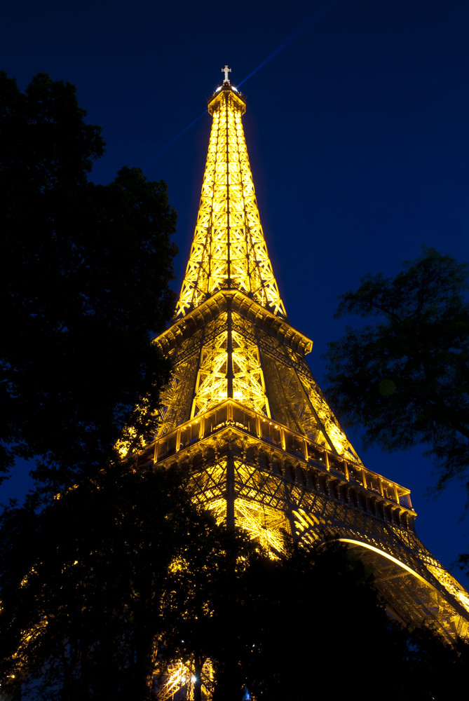 Eiffel-Tower_4