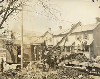 East Monument, Dayton, OH - 1913 Flood