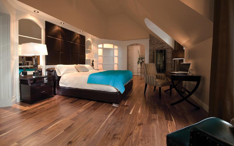 Contemporary Hardwood Floor Living Room