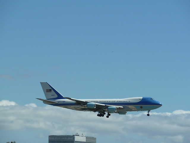 Air Force One VC-25A 2800 on Final Approach @ LAX, April 21, 2011