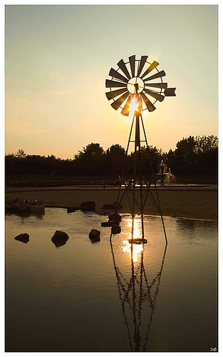 sun sunlight lake france water night canon french eos soleil eau noir view d champagne lac du jour 350 51 paysage der fr francia nuit etoile contre 52 marne eolienne eole
