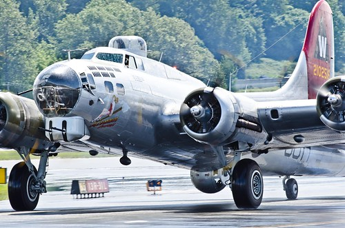 Boeing B-17G Flying Fortress taxiing down BRAVO