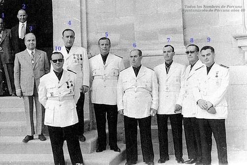 Falangistas en el Ayuntamiento de Porcuna