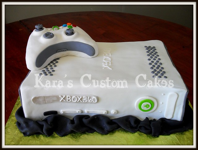 Xbox Birthday Cake http://www.flickr.com/photos/karascustomcakes/5566623904/