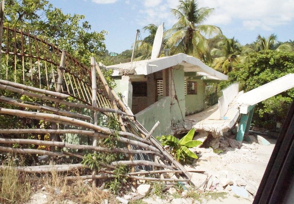 Canap vert haiti around guides for Canape vert haiti