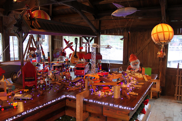 Pere Noel's Elve's Workshop