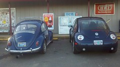 automobile(1.0), volkswagen beetle(1.0), automotive exterior(1.0), volkswagen(1.0), vehicle(1.0), automotive design(1.0), volkswagen new beetle(1.0), subcompact car(1.0), city car(1.0), compact car(1.0), land vehicle(1.0),