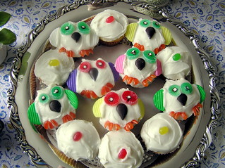 Owl cupcakes for Evie