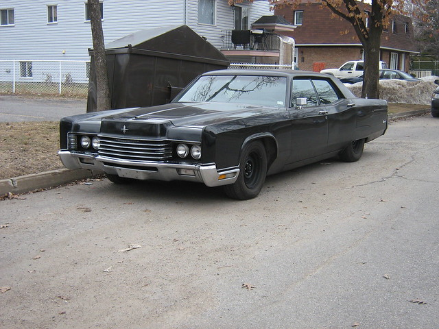 'murdered out' gangster car: 1970 Lincoln Continental