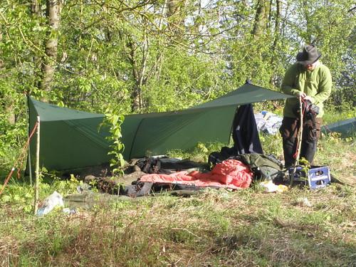 Zelt Aus Weiden Bauen : Aufbauvarianten von tarps alles rund um lager