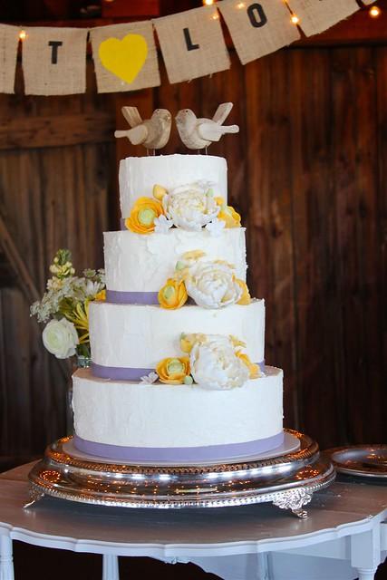 Hillary Matt 39s rustic wedding cake More detail on my blog