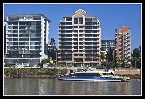 CityCat waiting to berth Sydney Street=