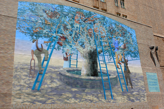 Tree of knowledge philadelphia 39 s renowned mural arts for Mural tour philadelphia map