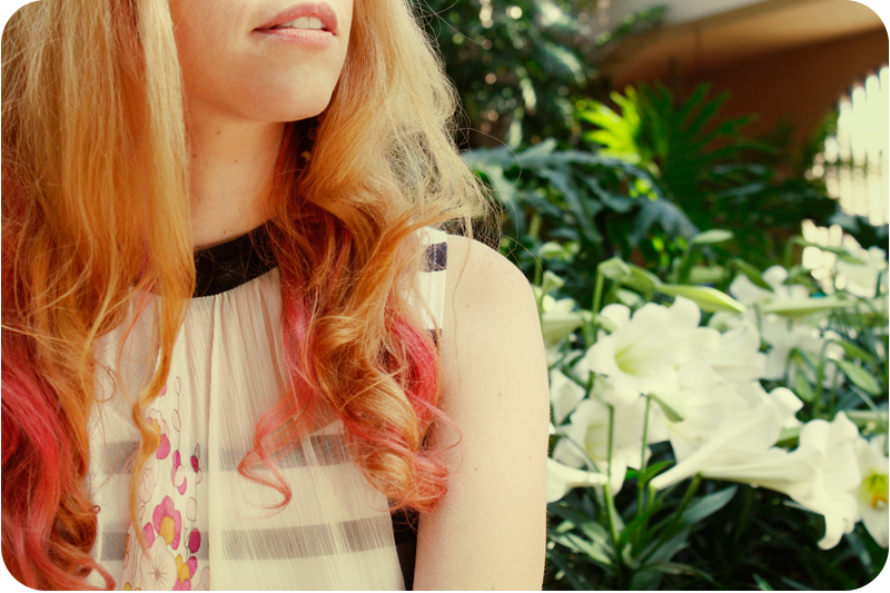{pink} hair