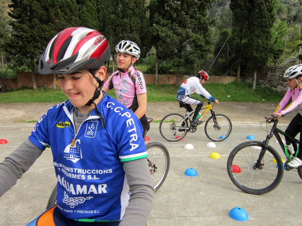 Escola Ciclisme 14-04-2012.